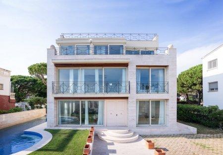 Villa in Castelldefels, Spain