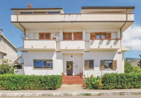 Apartment in Campora San Giovanni, Italy: