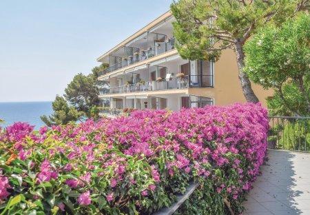 Apartment in Capo Mimosa-Rollo, Italy
