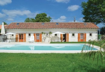 Villa in Asnois, France