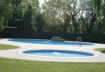 Cabin in Stalham and Sutton, England: Swimming