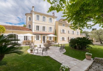 Villa in Les Aspres, the South of France