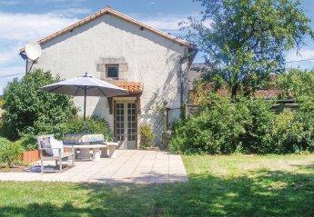 Villa in Queaux, France