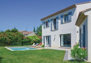 Villa in Mollégès, the South of France