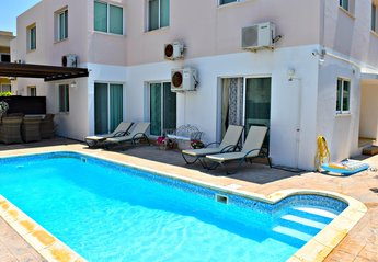 Apartment in Universal, Cyprus