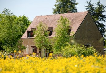 Villa in Moulins-Engilbert, France