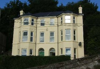 House in Youghal, Ireland: Fantastic Victorian Townhouse