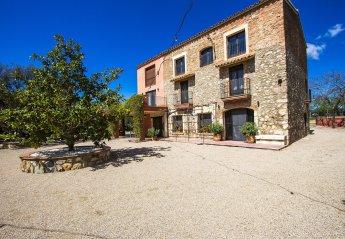 Apartment in Vinyols i els Arcs, Spain
