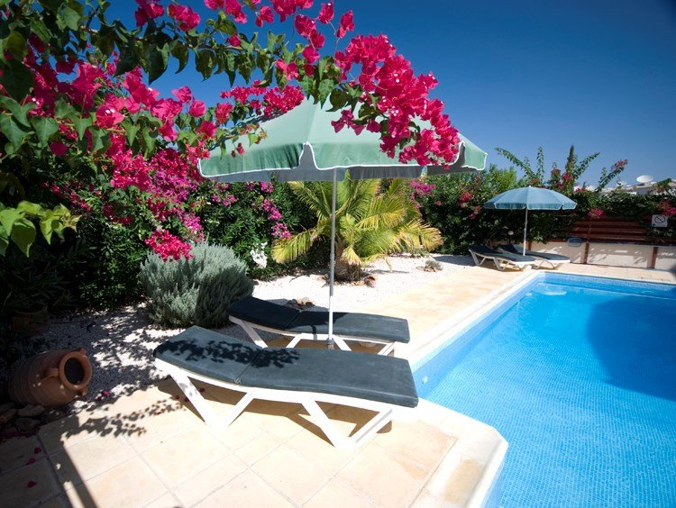 Villa To Rent In Mandria Cyprus With Private Pool 22299