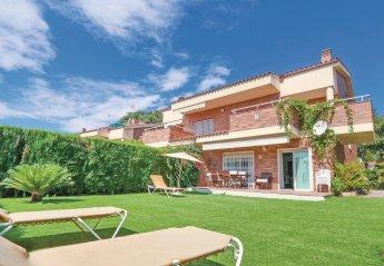 Villa in Sant Vicenç de Montalt, Spain