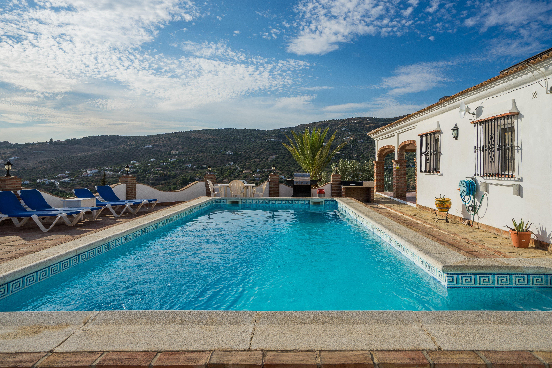 Alcaucín Villa To Rent