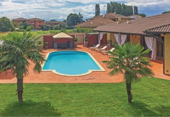 Villa in Casaleggio Novara, Italy