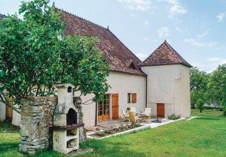 Villa in Mary, France