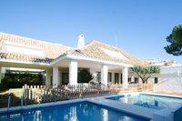 Villa in Nueva Andalucía, Spain
