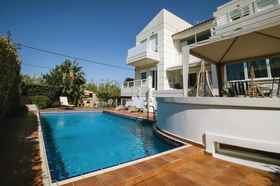 Villa To Rent In Athens City Greece With Swimming Pool 225668