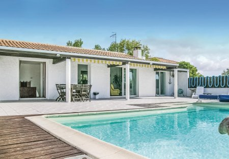 Villa in L'Aiguillon-sur-Mer, France