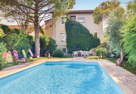 Villa in Bengale-Fontclair, the South of France