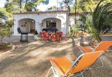 Villa in Vía Marina, Spain