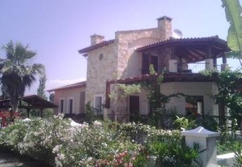 Villa in Turkey, Okcular Dalyan: Lane outside in April