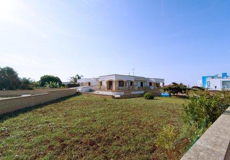 Villa in Salve, Italy