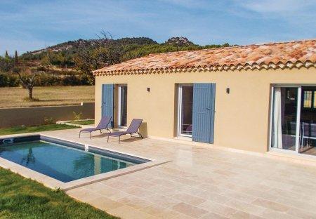 Villa in Saint-Hippolyte-le-Graveyron, the South of France