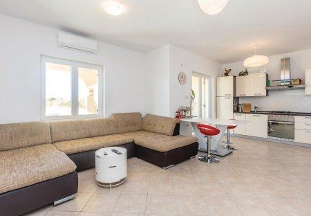 Apartment in Kremenići, Croatia