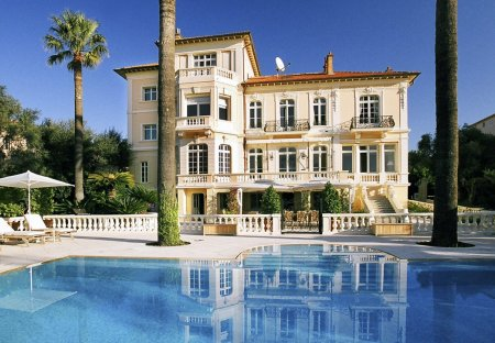 Villa in Petit-Juas, the South of France