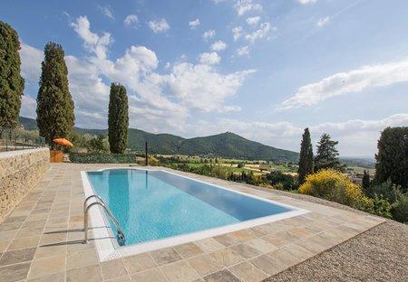 Villa in Pergaccio, Italy