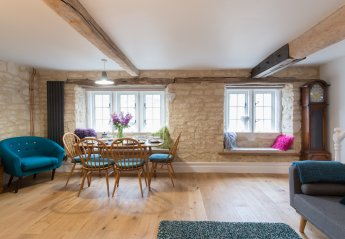 Duplex_apartment in Painswick, England: The Upper Flat, The Manse,  Gloucester Street, Painswick, ..