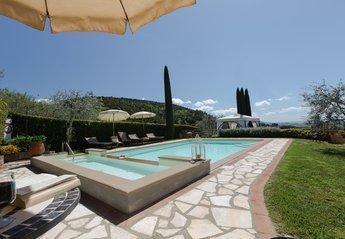 Villa in Iano, Italy
