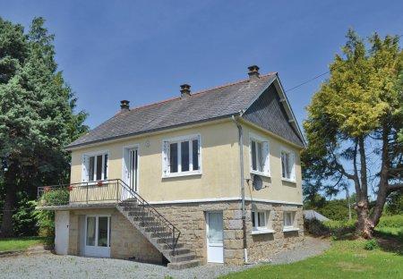 Villa in Saint-Lormel, France