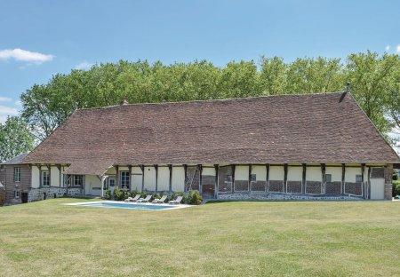 Villa in Gournay-en-Bray Sud, France