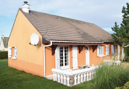 Villa in Créances, France