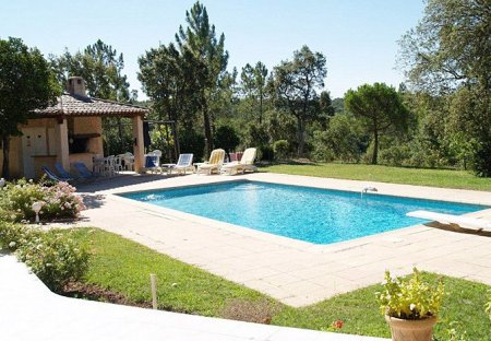Villa in Saint-Paul-en-Forêt, the South of France