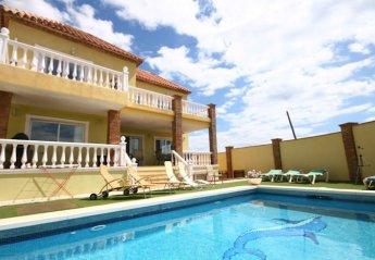 Villa in Urbanización Pueblo Don Silverio, Spain