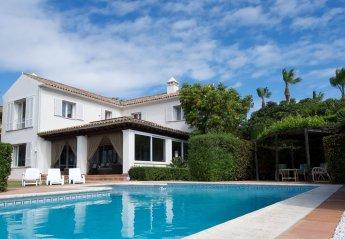 Villa in San Roque, Spain