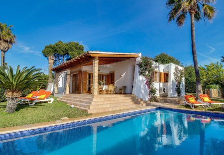 Cottage in Cala Anguila-Cala Mendia, Majorca