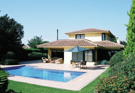 Villa in Torremirona, Spain