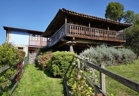 House in Pruneda, Spain