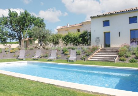 Villa in Charols, France