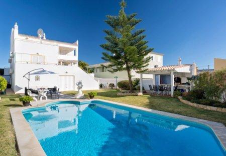 House in Pęra, Algarve