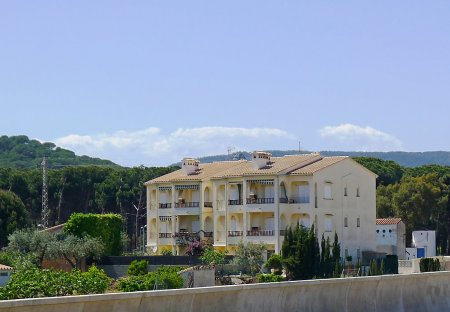 Apartment in Mas Pallí dels Vilars II, Spain