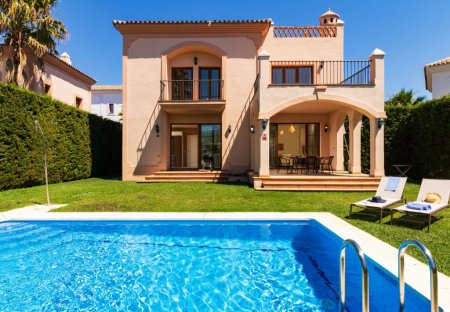 House in La Resina Golf & Country Club, Spain
