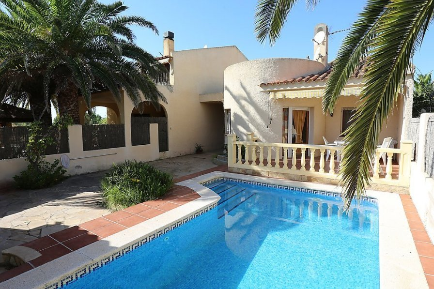 Villa to rent in Riumar, Spain with private pool  242344