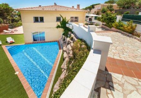 House in els Pinars, Spain