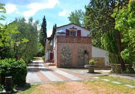 House in Montopoli in Val d'Arno, Italy