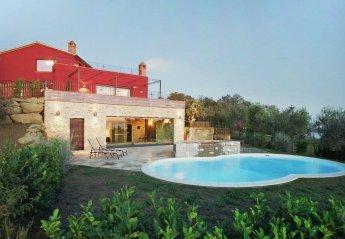 House in Passignano sul Trasimeno, Italy