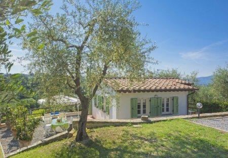 House in Arsina, Italy