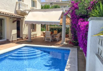 Apartment in Les Roquetes, Spain