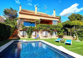Villa in Vallpineda, Spain